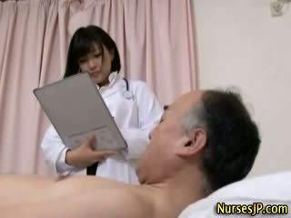 Jap hottie enfermeira gets porcas