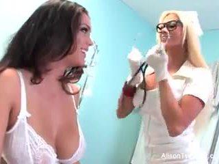 Pelik jururawat nikita tries kepada menyembuhkan alison