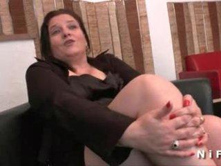 Lielas skaistas sievietes francūzieši pieauguša gets viņai pakaļa hammered