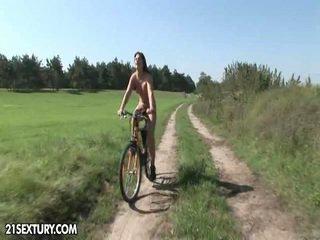Pubblico nudity!