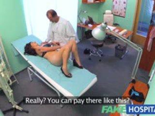 Fakehospital виетнамски пациент gives лекар а сексуален reward