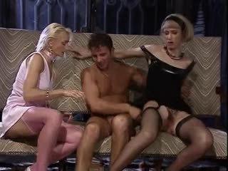 ryhmäseksiä, threesomes, vuosikerta