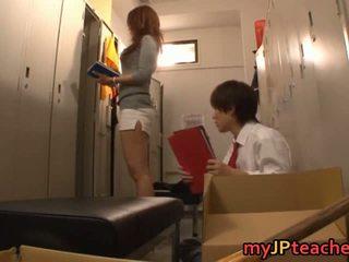 Kaori sexy japonez invatatoare getting