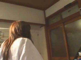 Gros seins asiatique hitomi tanaka en public bath