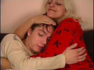 Ruský maminka a ne ji syn