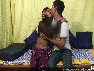 Amatør indisk tenåring i henne første sex scene