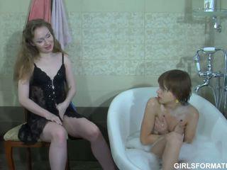 leszbikus, fürdőszoba, moms és tizenévesek