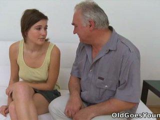 Joli และ grej ร้อน วัยรุ่น โป๊