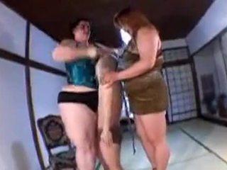 背の高い gaint 女性たち 小 ボーイ