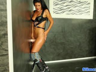 Emzikli covered euro sigara izlerken floppi göğüsler, porn 02