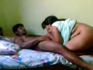 Ινδικό ώριμος/η ζευγάρι σεξ www.playindiansex.com