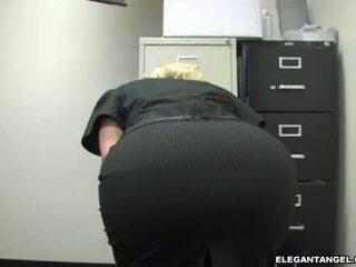 hardcore sex, brýle, blowjob akce