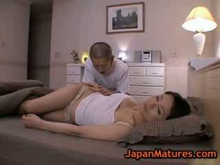 Reif bigtit miki sato masturbieren auf bett 2 von japanmatures