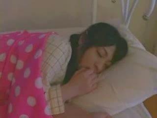 Κοιμώμενος/η κορίτσι πατήσαμε σκληρά βίντεο