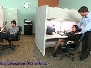 Coworkers síla a double penetration na ji