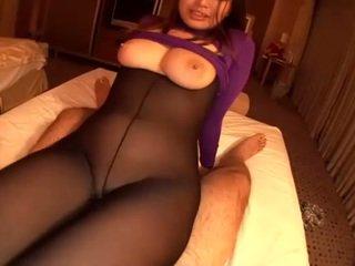 Letuška gets horký spermie pod ji sexy dámské spodní prádlo