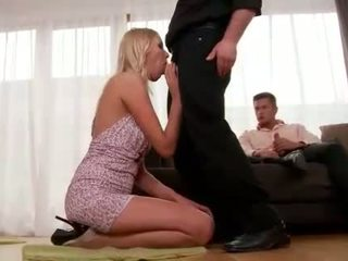 Teena lipoldino gets anāls fucked līdz two guys