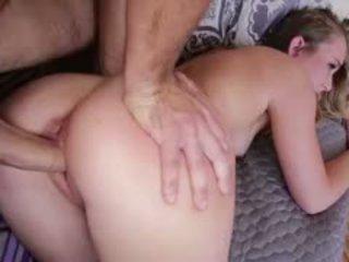 Blonda adolescenta charli gets filled cu sperma