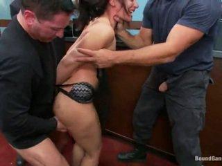 Sheena ryder has throat körd av bank robbers