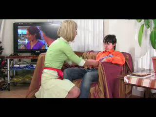 Teen crossdresser gefickt von guy