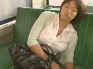 Sleepy נערה used על ידי pervert