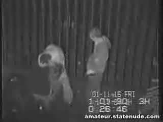 Jovem grávida quadrilha bang em segurança câmara
