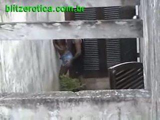 Spycam a foder quente negra em público escondido