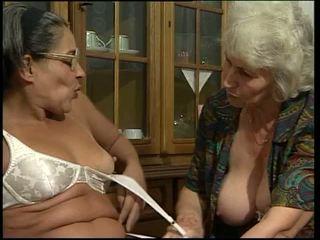 çift penetrasyonu, büyükanne, dildos