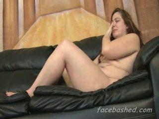 Ekstreme seks simultan i topolake adoleshent që është degraded