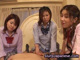Ιαπωνικό γυναίκα χορός αναγκαστική να πιπιλίζουν καβλί πορνό συνδετήρας