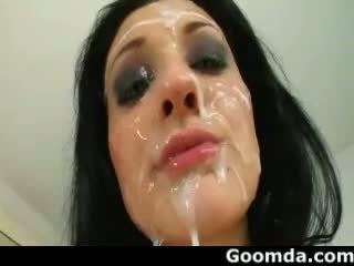 Aletta ocean verschillend types cumshoots naar haar gezicht 2