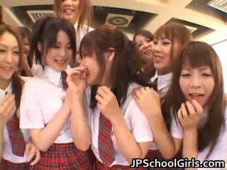 יפה יפני schoolgirls exploring