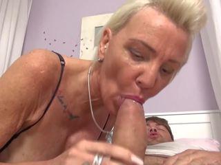 Caliente milfs y gilfs pleasing boys, gratis porno ae