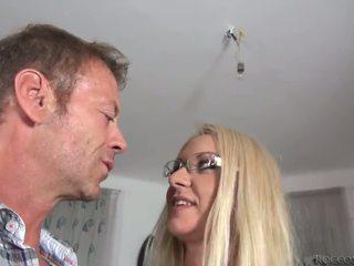 他妈的, 性交性爱, 硬他妈的