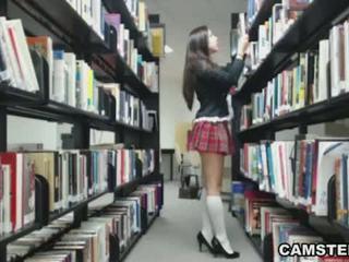 Κορίτσι του σχολείου σε στολή wants να bust σας nut σε ο βιβλιοθήκη