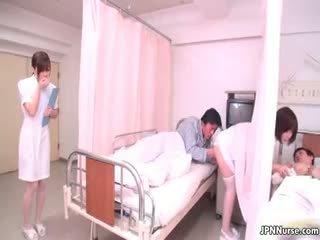小 日本语 护士 giving 一 口交 part4