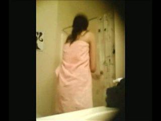 India campus miel recorded por oculto webcam en douche