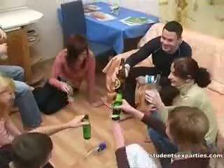 Orgie Sexuelle Alcoolisée