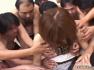 Japansk babe touched av mange men uncensored