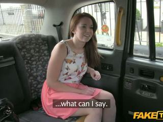 Seksi candi sucks in fucks v the taxi