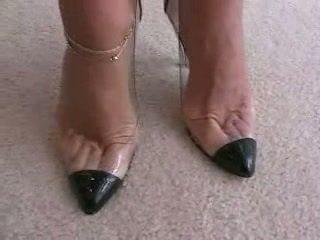 high heels, fetiș picior, footjob