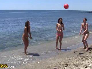 מכללה סקס מסיבה תחת the שמש heat של the חוף