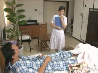Refined тайська медсестра has трахкав по a пацієнт