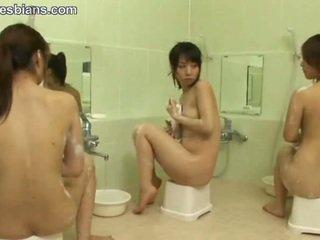 女同性戀, 青少年, 亞洲人