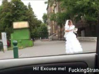 Desperate เจ้าสาว amirah adara gets ระยำ somewhere ใน สาธารณะ
