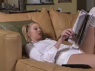 Sb3 ดื้อ พี่เลี้ยงเด็ก gets เธอ ตูด boned: ฟรี โป๊ เป็น