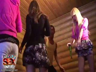 Karıştırmak arasında seks poker videolar tarafından ters grup seks seks parties