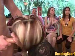 Ερασιτεχνικό bachelorette πάρτι blowbang που πιάστηκε επί tape - dancingbearorgy.com