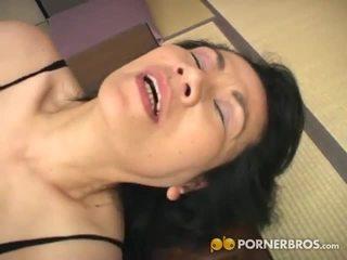 Porner premium: แก่แล้ว เอเชีย สำส่อน gets toyed ด้วย a จู๋ปลอม