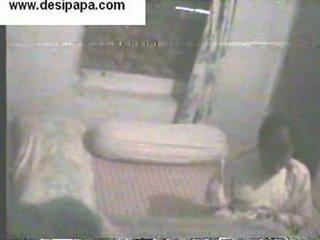הידי pair secretly filmed ב שלהם חדר שינה swallowing ו - having פורנו כל אחר